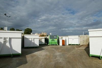 El punto limpio municipal en Cova Solera (foto: Localpres).