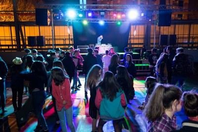 El baile joven se traslada este año en el pabellón de Can Rosés (foto: Localpres).
