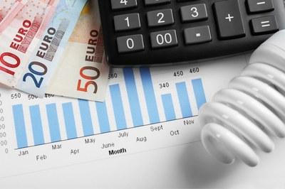 A través de la compra agregada de energía, las empresas ahorran de media un 16% de la factura eléctrica (foto: Ayuntamiento de Rubí).