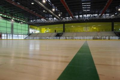 El pabellón de La Lana, una instalación que utilizan varios clubes de la ciudad, presenta varias deficiencias de construcción (foto: Localpres).