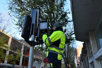 El nuevo dispositivo se integra en la misma óptica de leds de los semáforos estándares.