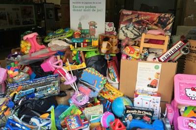 Los juguetes en buen estado que la ciudadanía lleva a la 'Deixalleria' se destinan a esta campaña solidaria (foto: Ayuntamiento).