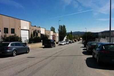Una de las vías donde se actuará es la avenida Can Sucarrats, en el PAE Cova Solera.