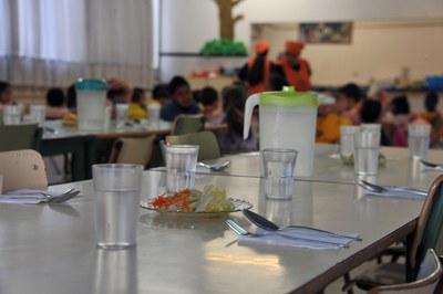 Uno de los objetivos de los centros es garantizar una comida completa al día a los niños.