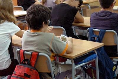 El curso orienta a los niños sobre los hábitos de higiene postural.