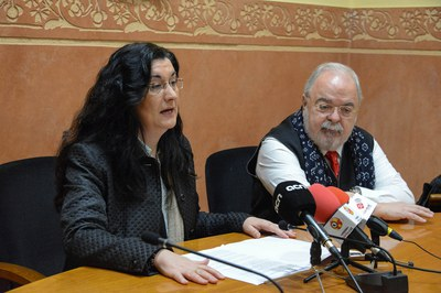 Carme García y Jaume Miranda, presentando los resultados de los dos estudios ante los medios de comunicación (foto: Localpres).
