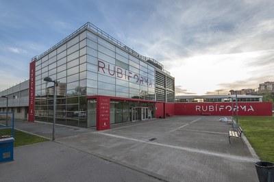 El programa se desarrolla en el edificio Rubí Forma (foto: Ayuntamiento de Rubí - César Font).
