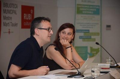 Rafael Güeto y Marta Morera han abierto la jornada en la Biblioteca (foto: Localpres).