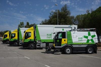 Se mantienen todos los servicios de limpieza viaria con agua a presión (foto: Ayuntamiento de Rubí).