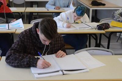 La encuesta se realizará en los centros de secundaria de Rubí (foto: Localpres).