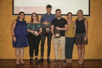 Alumnado reconocido del INS La Serreta (foto: Localpres)