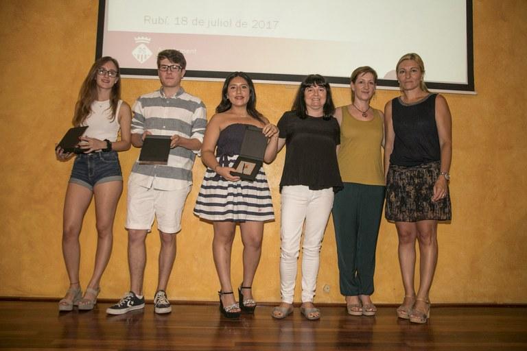 Alumnado reconocido del INS Torrent dels Alous (foto: Localpres)