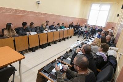La reunión ha tenido lugar en la sala de plenos (foto: Ajuntament de Rubí - Localpres).