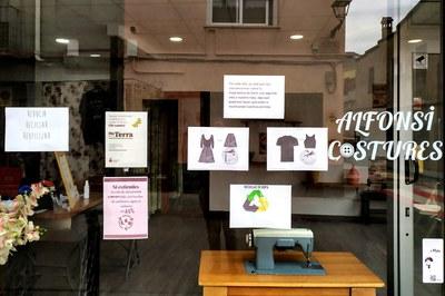Escaparate de Alfonsi Costures (foto: Ayuntamiento de Rubí)