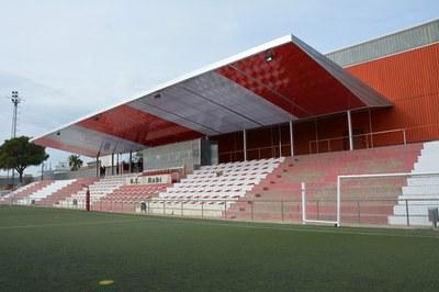 La cubierta de la tribuna era una vieja demanda de la Unió Esportiva Rubí