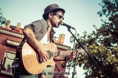 Jere en una actuación en Rubí el año pasado (foto: Roscko Fotografía).