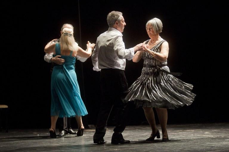 Actuación del grupo de baile de salón (foto: Localpres)