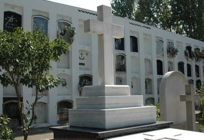 Hasta el 1 de noviembre el cementerio abre de 9 h a 18 h.