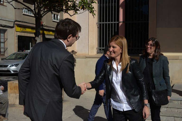 Ana María Martínez ha recibido al conseller de Justicia en el Ayuntamiento (foto: Localpres)