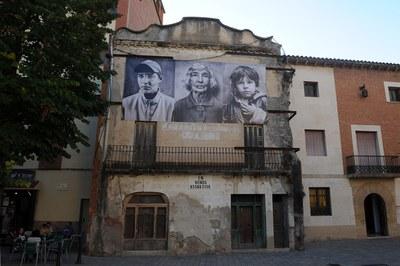 Fotografías de Ricky Dávila en la plaza del Doctor Guardiet (foto: Localpres)