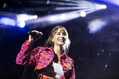 Aitana, una de las actuaciones más esperadas (foto: Ayuntamiento de Rubí - Lali Puig)