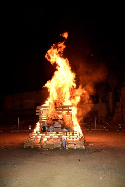 Hoguera de San Juan (foto: Localpres)