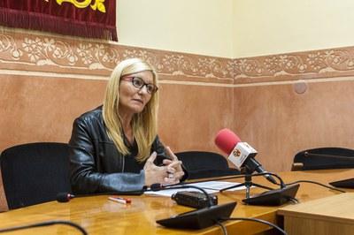 La alcaldesa, durante la presentación de la propuesta de presupuesto (foto: Cesar Font).