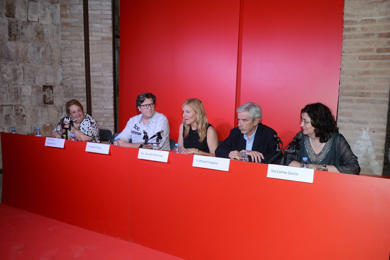 Imagen de la mesa redonda organizada por el Grup Fotogràfic El Gra (foto: Localpres)