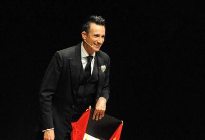 El Mag Lari en una actuación en Sant Cugat (foto: Localpres - Teatre Auditori de Sant Cugat).