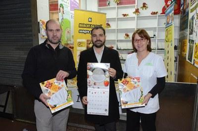 El concejal con los miembros de la Asociación de Adjudicatarios (foto: Localpres).