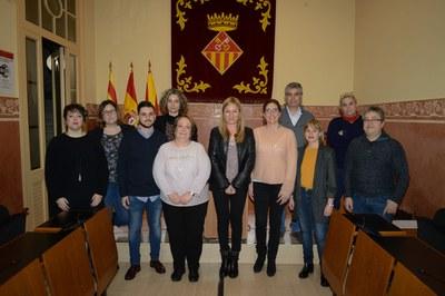 La alcaldesa y la regidora con los miembros del Consejo que asistieron a la reunión (foto: Localpres).
