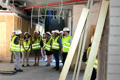 Un momento de la visita al nuevo edificio (foto: Localpres).