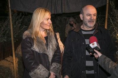 La alcaldesa con Jorge García, presidente de la Hermandad (foto: Lali Puig).