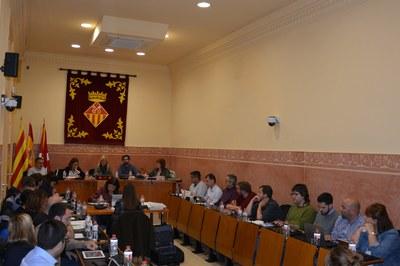 El Pleno ordinario correspondiente al mes de abril se ha celebrado este jueves en la sala Enric Vergés (foto: Ayuntamiento).