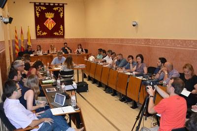 El Pleno del Ayuntamiento de Rubí se ha celebrado en la sala Enric Vergés.