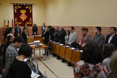 Todos los asistentes a la sesión plenaria de este jueves han llevado a cabo un minuto de silencio por las víctimas del accidente aéreo.