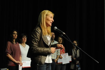 La alcaldesa, Ana María Martínez, dirigiéndose al público asistente (foto: Localpres)