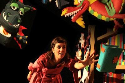 """""""Un montón (y un mundo) de dragones"""" (foto: Tanaka Teatre)."""