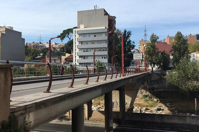 A partir del lunes no se podrá circular en vehículo por el puente de la calle Sant Joan (foto: Ayuntamiento).