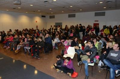El auditorio de la Biblioteca, lleno durante el acto de entrega de premios (foto: Localpres)