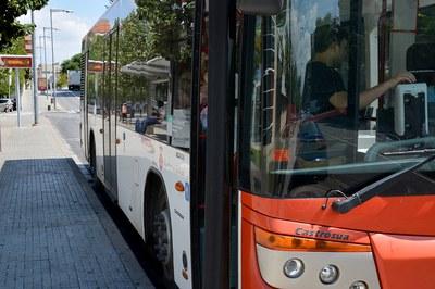 Las personas que viajen con RubíBus a partir del viernes deberán disponer de un título de transporte en vigor (foto: Ayuntamiento de Rubí) .