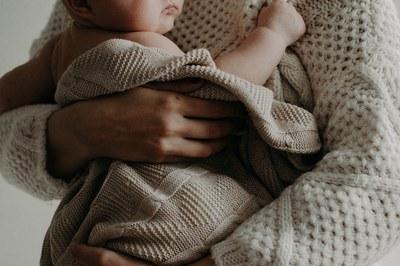 El proyecto seleccionado se dirige a padres, madres y otros cuidadores de 0 a 6 años.
