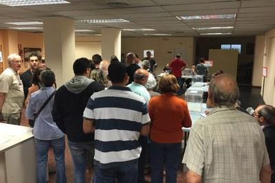 A las 13 h, cuando se ha hecho público el primer avance de participación, 18.991 rubinenses (35,4%) ya habían votado.