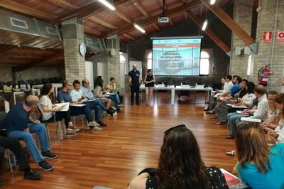 La sesión ha tenido lugar en la Masía de Can Serra.