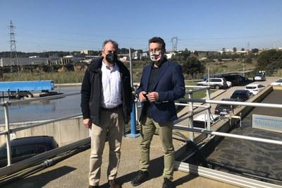Ridao y Medrano, durante la visita a la depuradora de la ciudad (foto: Ayuntamiento de Rubí).