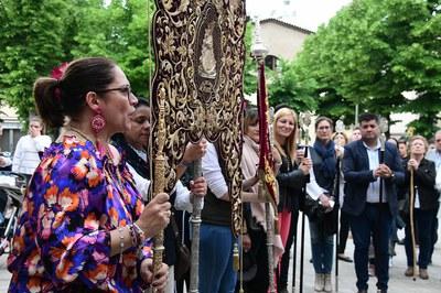 Ana María Martínez, presenciando la bendición del simpecado (foto: Localpres)