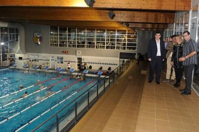 La alcaldesa y el concejal de Deportes han visitado las reformas (foto: Localpres).