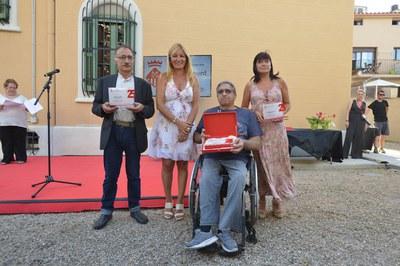 La alcaldesa con los representantes de las entidades que este año celebran el 25 aniversario (foto: Ayuntamiento - Localpres)