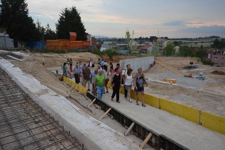 El equipo técnico ha explicado detalladamente tanto el proyecto como la evolución de las obras a los vecinos (foto: Localpres)