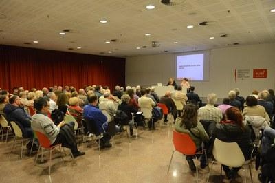 Unas 140 personas han asistido a la reunión informativa celebrada este miércoles (foto: Localpres)